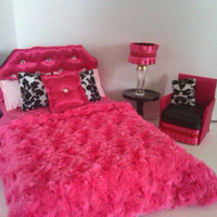 Barbie Furniture / Monster High Furniture - Glamorous Pink Bejeweled Bed & Accent Chair