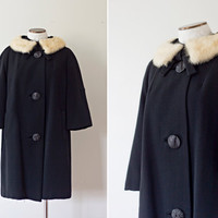 1950s Black  Coat with Fur Collar by strawberrykoi on Etsy