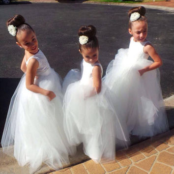 Long Kids Formal Flower Girls' Dresses 2016 Cute Little White Lace Girls Pageant Communion Dress Ball Gowns For Party Wedding