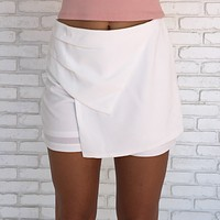 Take The High Road Shorts In White
