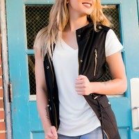 The Right Direction Vest- Black