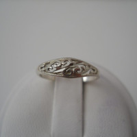 Sterling Silver 925 Small Filigree Vine Ring Size 5 925