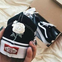 Vans Classics Old Skool Floral Embroidered Black Sneaker