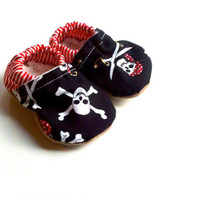 pirate shoes baby shoes pirate baby shoes black baby shoes skull baby skull pirate booties crib shoes pirate baby shoes