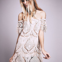 White Vintage Cut Out Tasseled Off-the-Shoulder Crochet Lace Dress