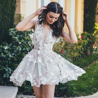 White Tulle V-neck Homecoming Dresses,Short Homecoming Dresses with Applique