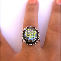 Iridescent Green Glass Cameo Ring Scalloped Edge Black and Silver Tone Adjustable