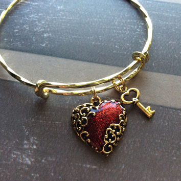 Key to My Heart Gold Filigree Vintage Heart Charm Adjustable Expandable Bangle Bracelet
