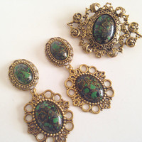 Antique Gold Brooch With Emerald Green & Black Acrylic Accent (Listing Is For Brooch Only- Earrings In Separate Listing)