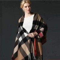 ONETOW BURBERRY SCARF LARGE PONCHO NEW WITH TAG CASHMERE AUTHENTIC
