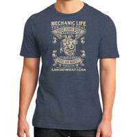 Mechanic life District T-Shirt (on man)