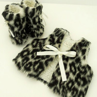 Baby Photo Prop - Snow Leopard Animal Print Fur Baby Set Vest Fur Waistcoat and Fur Baby Boots Winter Mukluks Baby Clothes