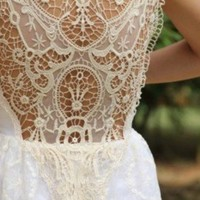 Lavish Lace: In Shades of Ivory & White: Edition 2