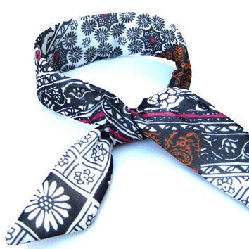 Tapestry Top Knot Tie Bun Wire Wrap Wired Hair Accessory for Buns or Pony Tails Fabric Bun Wrap Black White Raspberry Teens Girls Women Gift