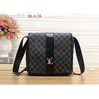LV 2019 new street fashion men's messenger bag shoulder bag black check