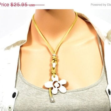 SALE Hippie style leather necklace for women  * green necklace with flower in zamak * birthday gift under 25, Necklace for her * Gift for wo