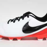 Nike Youth's Jr Tiempo Legend VI FG White/Red Soccer Cleats 819186  106