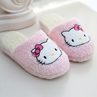 2017 Winter Slippers Cartoon Hello Kitty Slippers Indoor Home shoes woman cute indoor