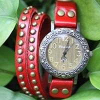 MagicPiece Handmade Vintage Style Leather Watch For Women Big Round Dial Leather Wrap Watch with Rivet in 4 Colors: Red