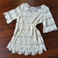 SOLITAIRE SIZE S BOHO CREAM CROCHET 100% COTTON OPEN WEAVE TUNIC TOP