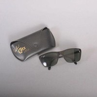 80s RAY-BAN Cats SUNGLASSES / 1980s Men's Black Wayferers with Original Case