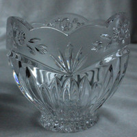 "Oneida Southern Garden 24% Lead Crystal Glass 4"" Potpourri Bowl / Candle Votive"