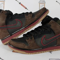 "AUGUAU Nike SB Dunk High Premium ""Slayer"""