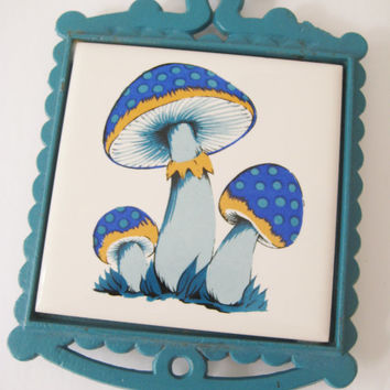 RARE Vintage Cast Iron Trivet Turquoise Blue Mushrooms GROOVY 1970s Magic Mushroom Kitchen Decor Kitchen Cookware Made in Japan Clean USED