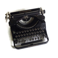 1930's Vintage Typewriter-Underwood Universal-Portable-Manual- Typewriter-Good Working Condition-Antique-Home Decor-Office-Writer