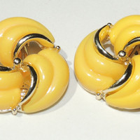 Vintage Earrings, Yellow Thermoset Clip On Earrings, Mad Men, 1960s, vintage jewelry, costume jewelry