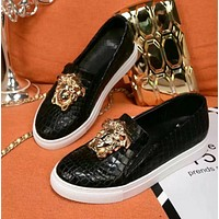 Versace New fashion more crocodile pattern women and men shoes flat white shoes round head casual heighten shoes Black