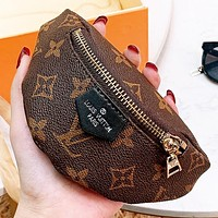LV Louis Vuitton New fashion monogram leather wallet purse wrist bag Coffee