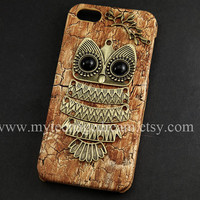 lovely owl iphone 5 case, PU Leather iphone 5 case, case for iphone 5, brown wood Hard Case, iphone 5 hard case