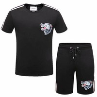 "2018 Gucci-The new ""Gucci"" Men's short sleeve, the upper body effect is very good, stylish hundred simple short sleeve set ღ 011"