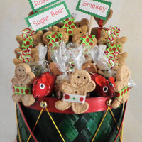 Christmas Dog and cat gift basket, dog biscuits, dog treats, cat treats, cat toys, unique gift, custom, personalized, holiday