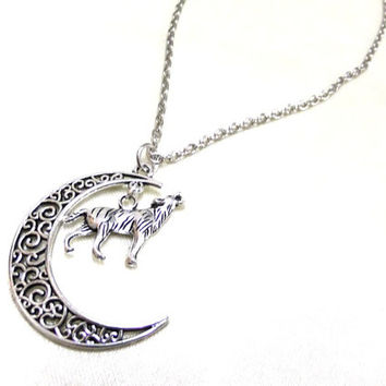 Antique Silver Moon and Howling Wolf Necklace, Crescent Moon Necklace, Celestial, Wolf Charm, Animal Necklace, Totem Animal Necklace, Gift