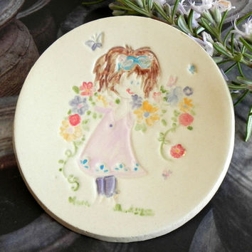 Flower Girl Plate Ceramic Colorful Flower Bouquet Ring Dish Pink Dress Girl Pottery Plate Mother Gift Pastel Ring Holder