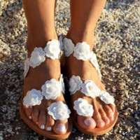 Hot style hot sales joker hollow flower decoration casual sandals