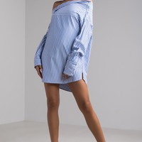 AKIRA Long Sleeve Off Shoulder Adaptable Striped Blouse in Blue