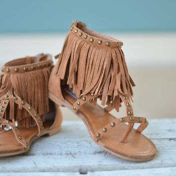 Fringe Sandal in Tan