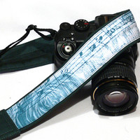 Music Camera Strap. Roses and Notes Camera Strap.  DSLR Camera Strap. Canon, Nikon Camera Strap. Women Accessories