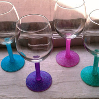 4 Set of Glittered Wine Glasses by MBellaBowtique on Etsy