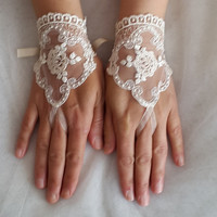 wedding,bridal gloves,ivory  lace,custom lace style,french lace,Free shipping.