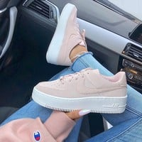 Nike Air Force 1 Sage Low Suede Pink Sneaker