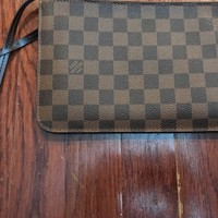 Louis Vuitton pouchette damier