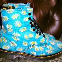 vtg 80s doc Marten floral boots  MiNT size 7 UK, 9.5 US.  Made in England Air Wair
