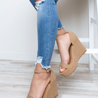 World's A Stage Wedge Heels - Natural