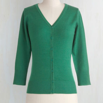 Scholastic Mid-length 3 Button Down Charter School Cardigan in Kelly Green