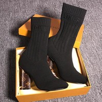 LOUIS VUITTON  Mid-barrel women's boots are slim, thick-heeled and retro-high-heeled Martin's boots