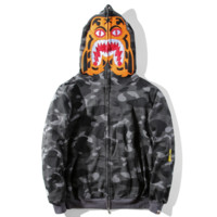 Bape Aape new fashion autumn and winter hat tiger and sleeve camouflage leisure loose couple top coat Gray